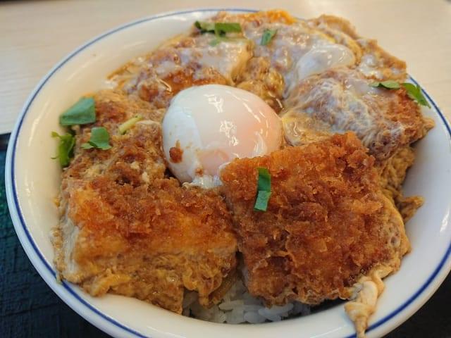 【朗報】かつやの特カツ丼、めちゃウマ!