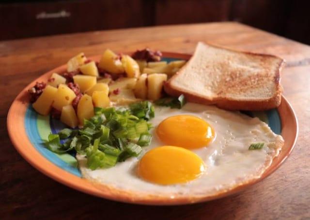 ホームステイワイ「海外の朝食ってどんなやろ、シリアルかな?ww」