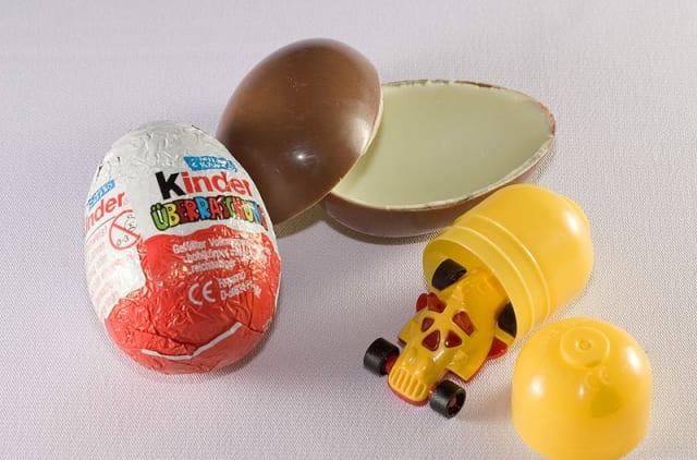 「チョコエッグ」とかいう男なら一度はハマったお菓子wwwww
