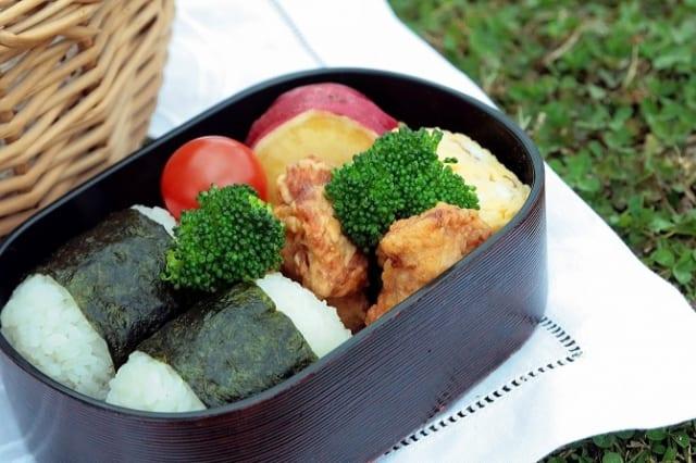 【画像】女性が食べるお弁当wwwwww