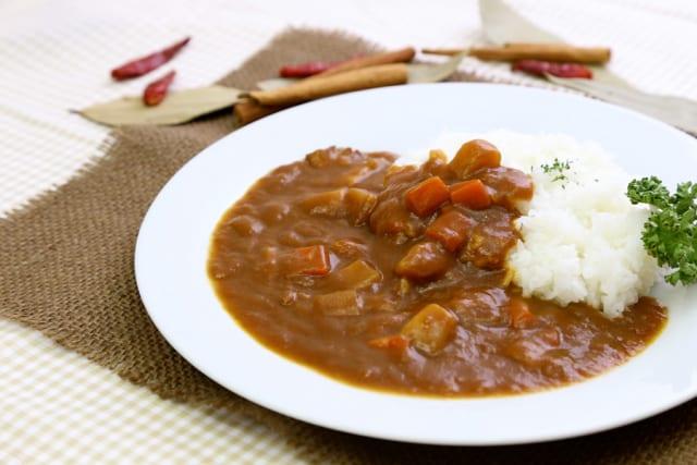 カレーの説明書「まず鍋で野菜と肉を炒めます」←この罠やめろ