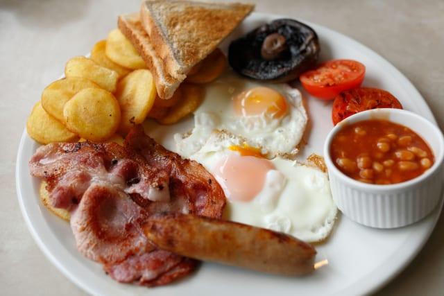 【悲報】イギリス伝統の「イングリッシュ・ブレックファスト」を食べないイギリスの若者が続出
