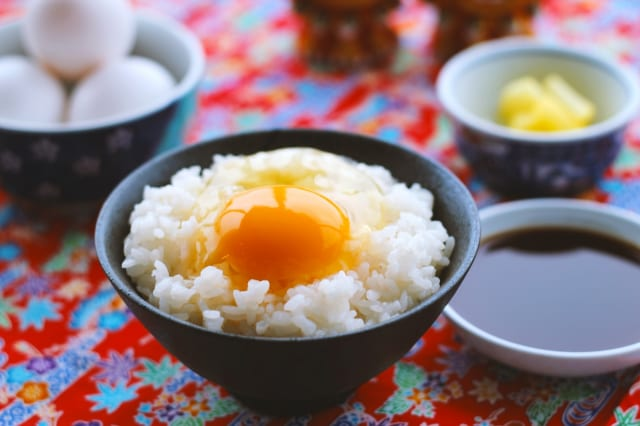 イキリマン「卵かけご飯はシンプル醤油のみ」←これ