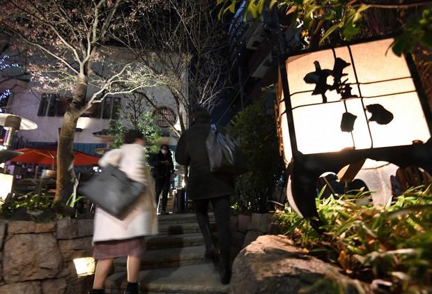 【東京】「午後8時には閉めない」緊急事態宣言に反旗を翻した外食チェーンの本気