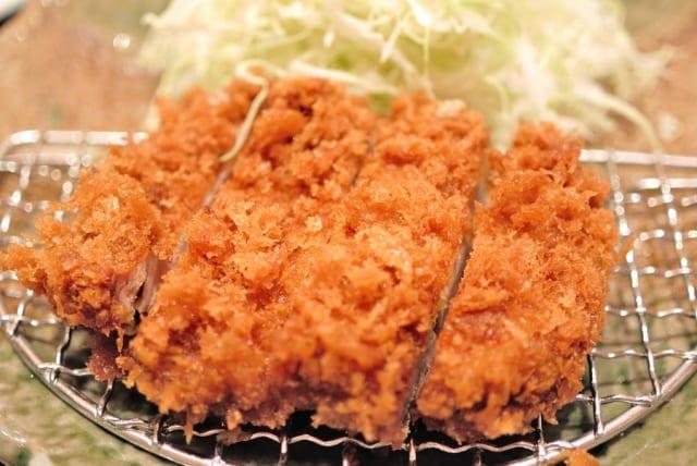 彼女「三元豚のトンカツだって!美味しそうだね」ワイ「日本で飼育されてる豚の7割は三元豚ですよ」