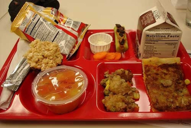 worldly_school_lunches_640_36