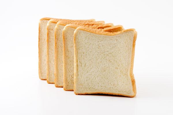 この科学が進歩した時代なのに、なぜパンの耳を作らずに食パンを焼く技術が無いのか?